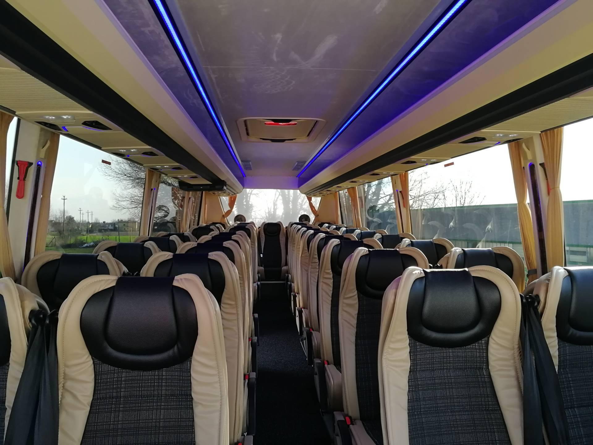 noleggio-minibus-venezia